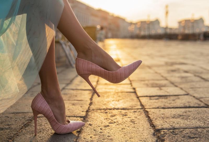 Pink Heel Heels Woman's Legs