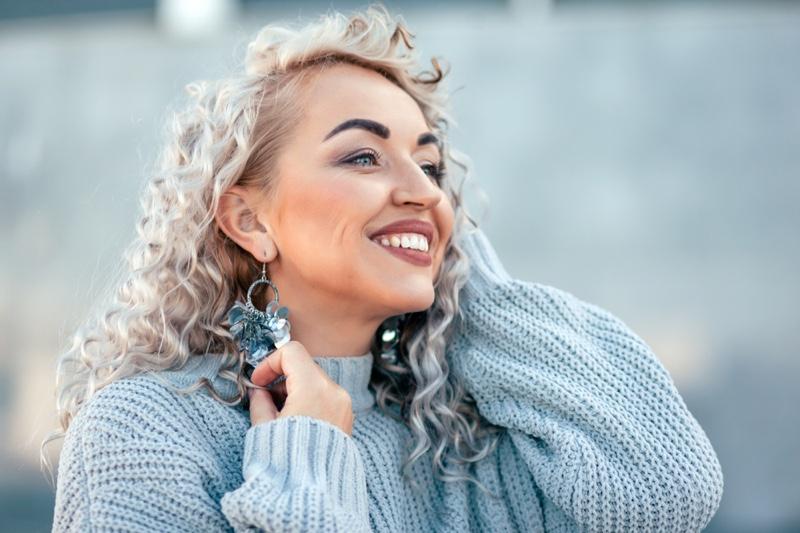 Smiling Model Grey Blonde Hair Earrings