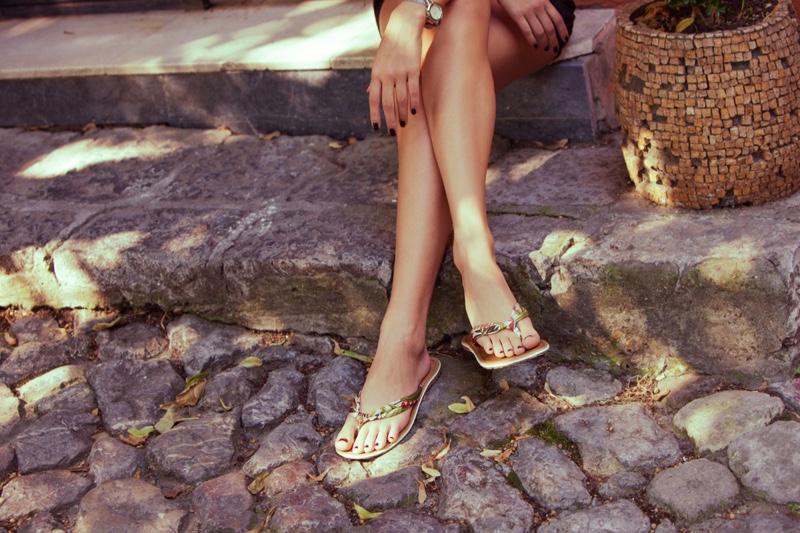 Thong Sandals Womens Legs