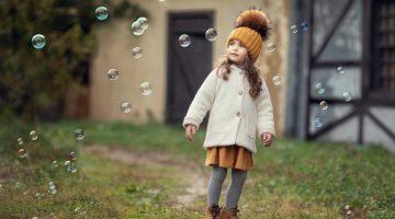 Toddler Girl White Coat Beanie Bubbles