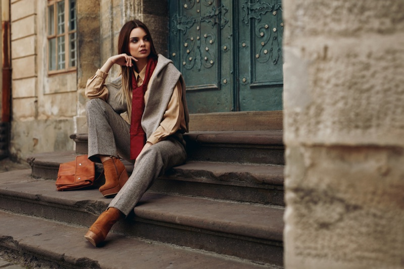 Woman Fall Outfit Shirt Scarf Pants Boots Sitting