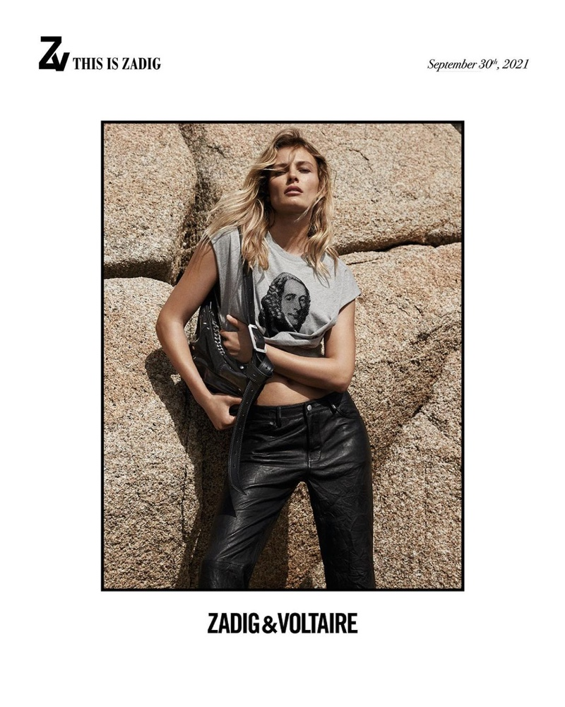 Edita Vilkeviciute rocks a graphic t-shirt in Zadig & Voltaire fall-winter 2021 campaign.